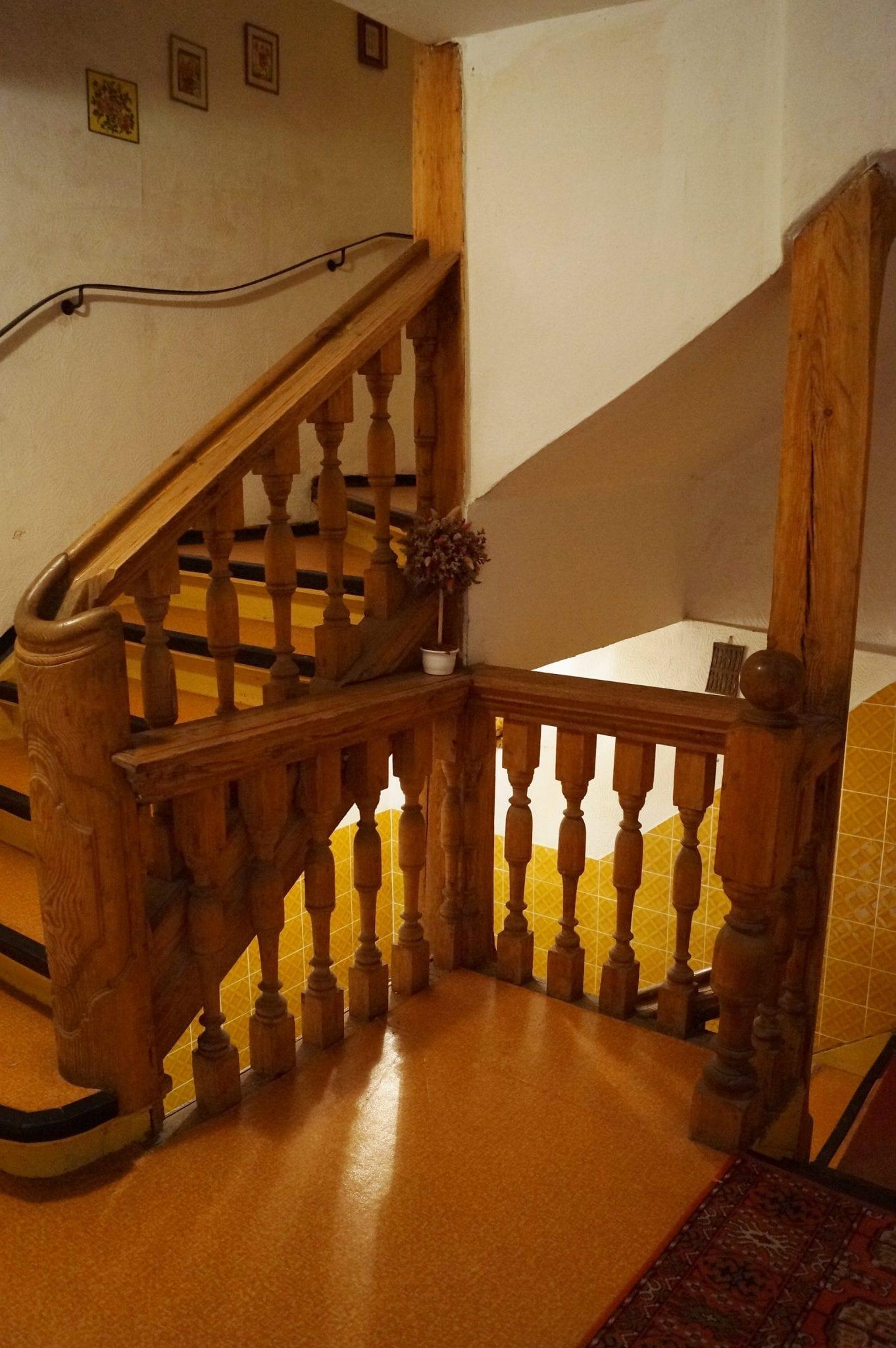 Stockerl Immobilien Und Hausverwaltung Historisches Treppenhaus Vor  Sanierung   Stockerl Immobilien Und Hausverwaltung